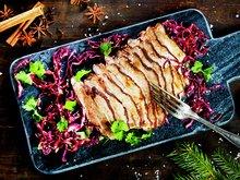 Fivespice-ribbe med rødkålsalat