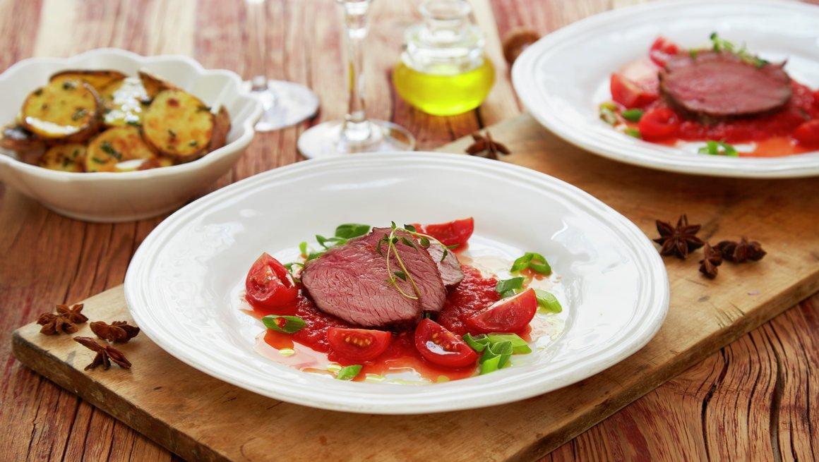Mørbrad av lam med tomatsaus