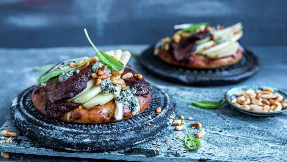 Lunt smørbrød med reinsdyr og pære - alternativ 1