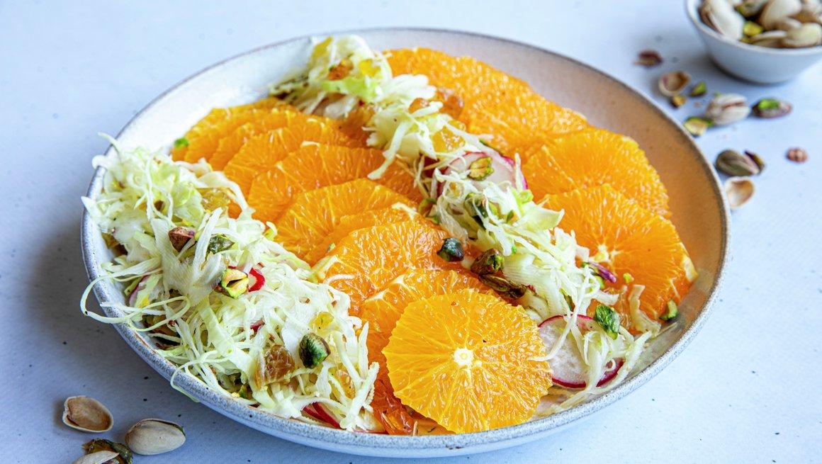 Appelsinsalat med nøtter