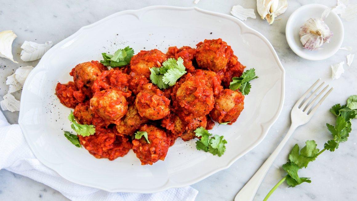 Krydrede kjøttboller i tomatsaus