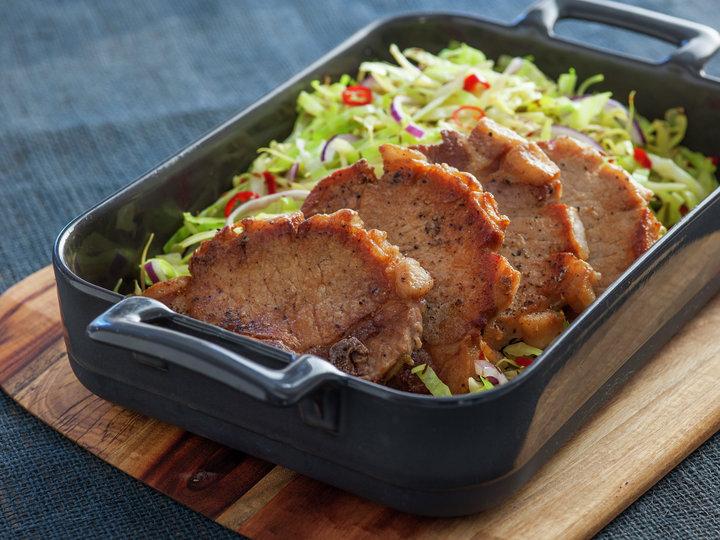 Svinekoteletter med hot kålsalat 1