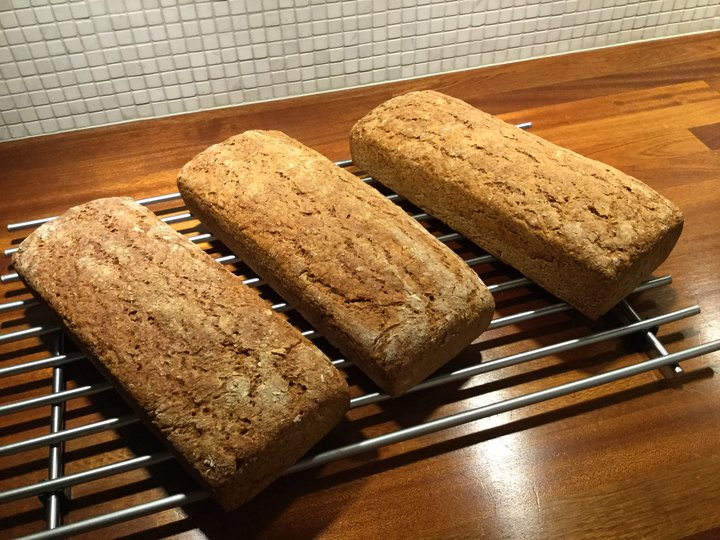Grovt brød.