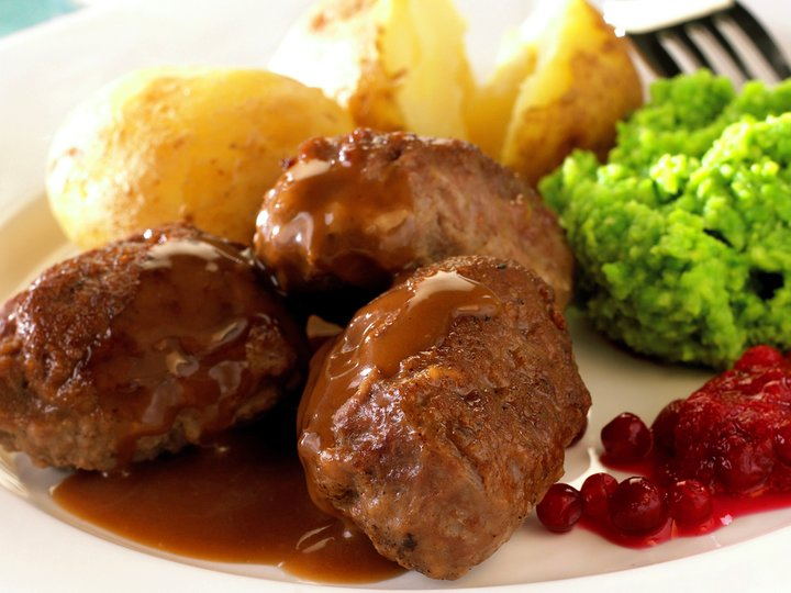 Kjøttkaker med erte- og kalstuing