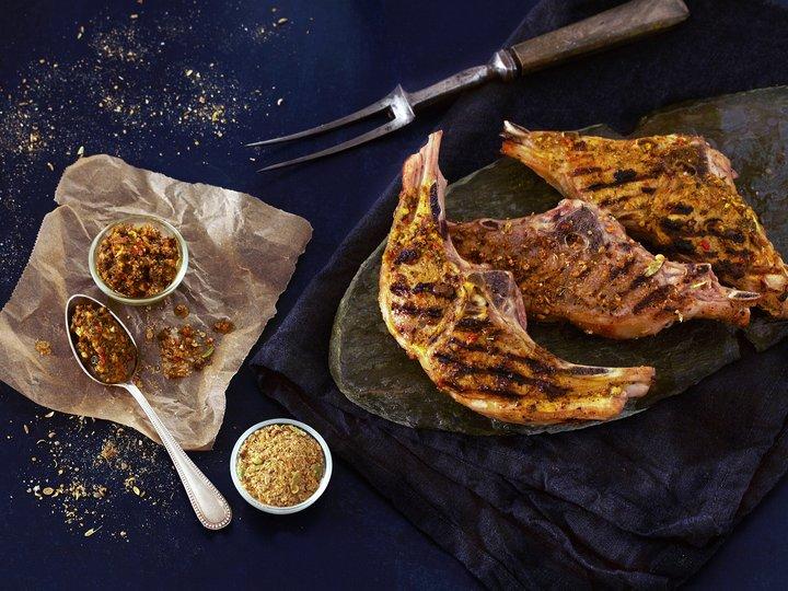 Grillede lammekoteletter med kryddermiks