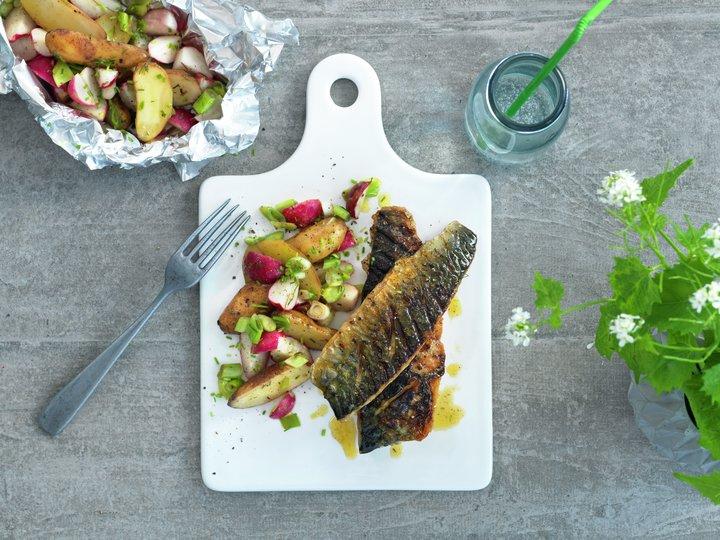 Grillet makrell med lun potetsalat