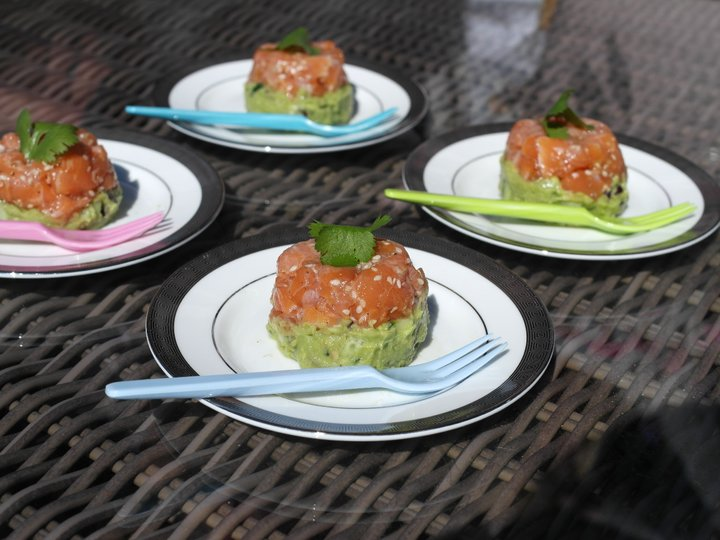 Lakseceviche med avokadosalat