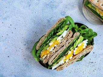 Polarbrød med egg og avokado