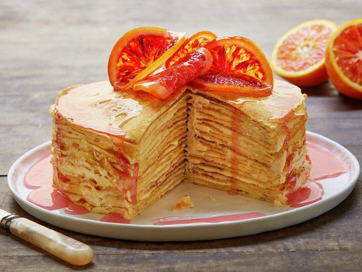 Pannekaketårn med blodappelsinkrem
