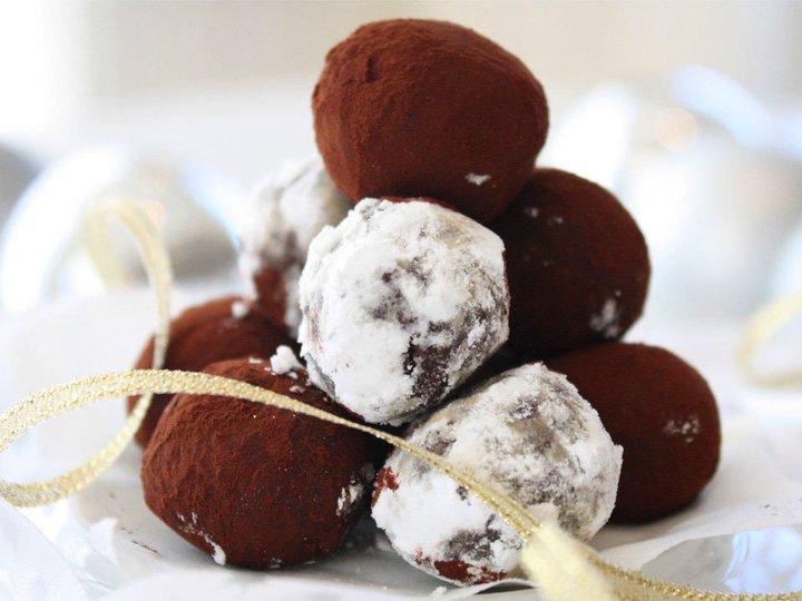Sjokoladetrøfler på tre ingredienser