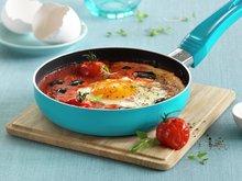 Bakt egg i tomatsaus