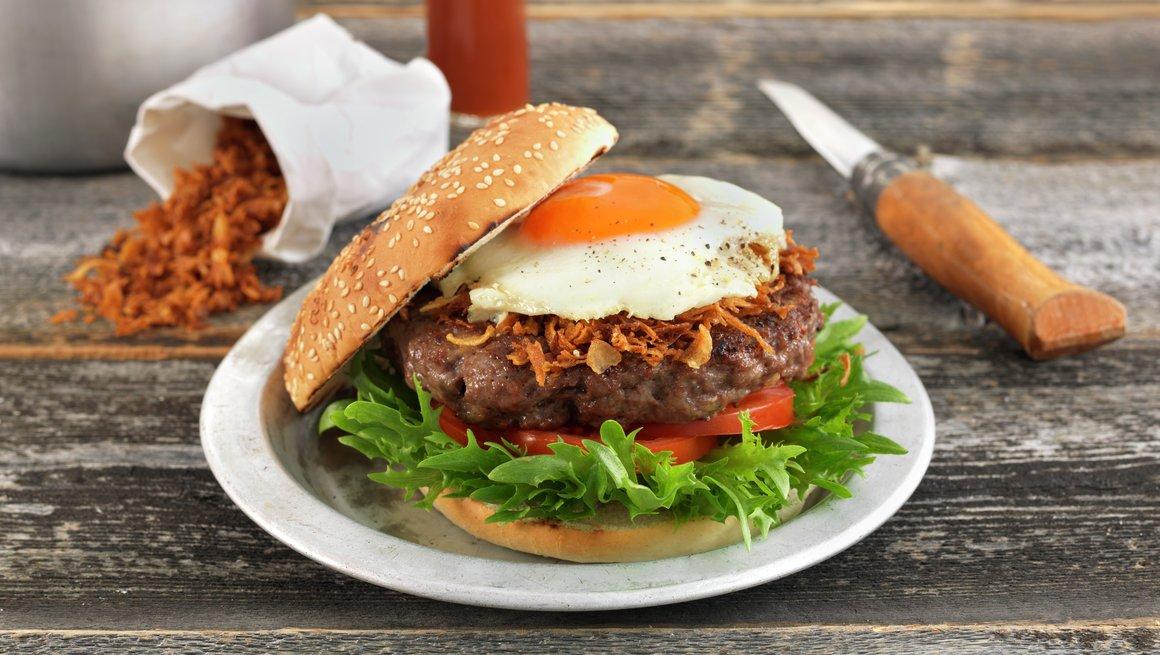 Hamburger med speilegg