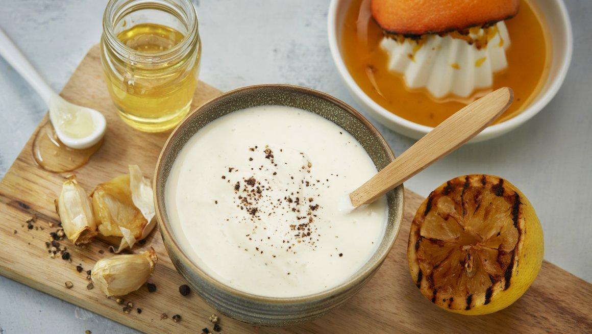 Yoghurtdressing med grillet sitrus og honning
