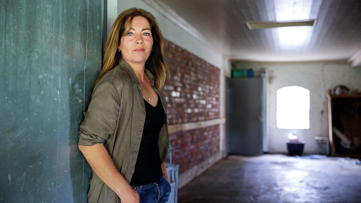 Bonde Liss Cathrine Holme Stokker fra Råde