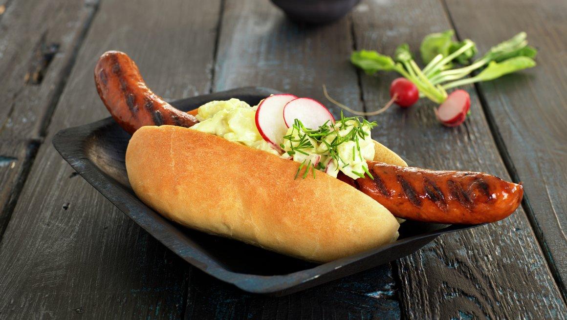 Pølse med sommerlig potetsalat