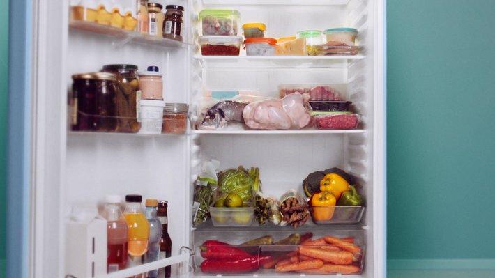 Kjøleskap - tine råvarer