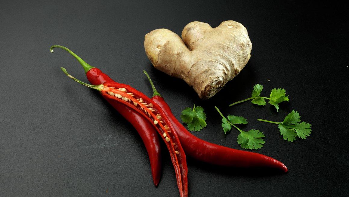 Chili, ingefær og koriander