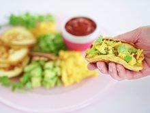 Pannekaketacos med egg og bacon