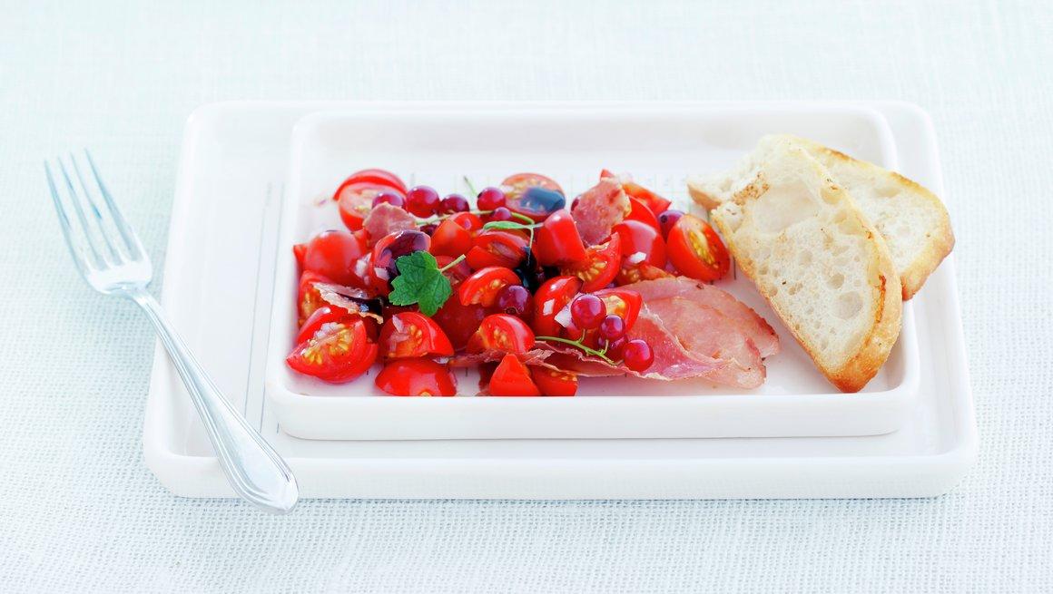 Tomatsalat med spekeskinke