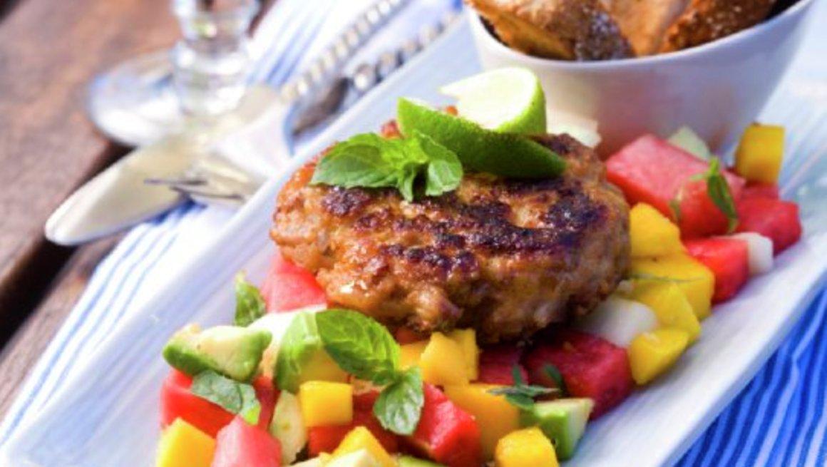 Kyllingburger-med-tropisk-salat-3179-13