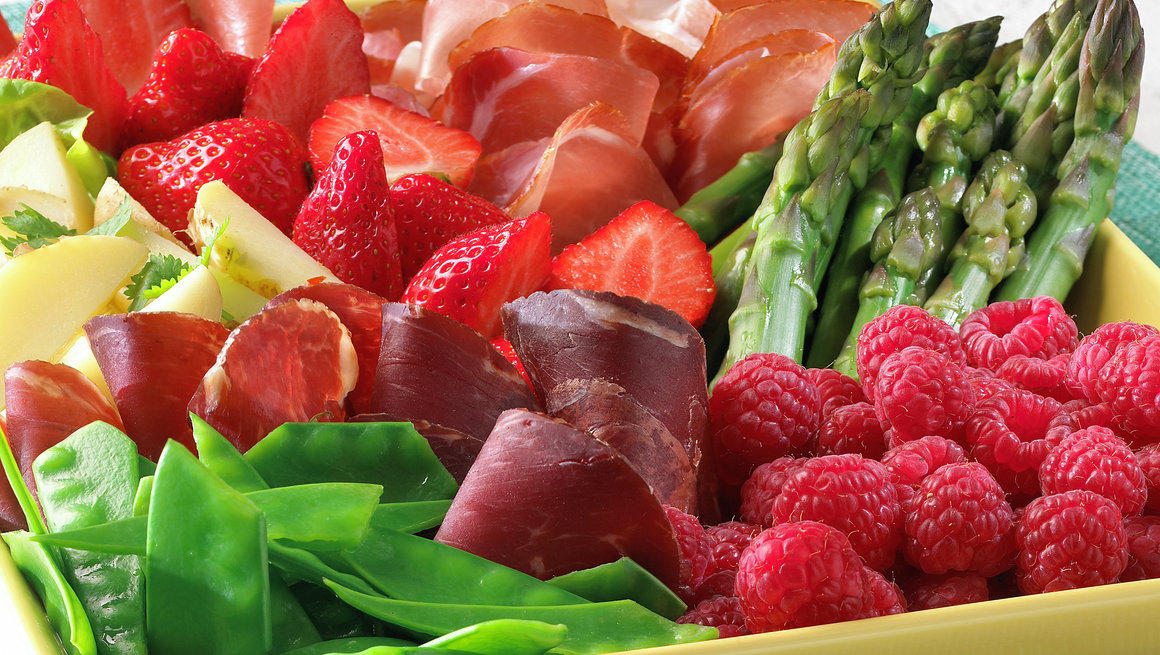 Sommerfristelser med årets ferske poteter og bær