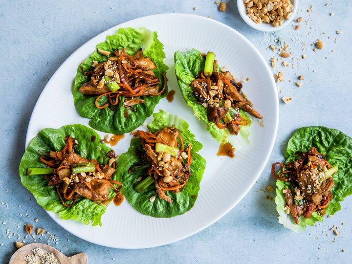 Asiatisk salatwrap med kalkun