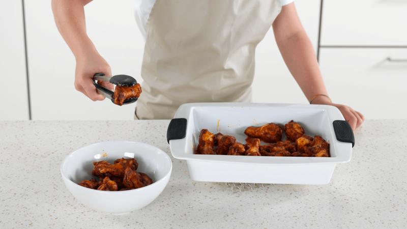 Kyllingklubber med grønnsaksstaver og dipp