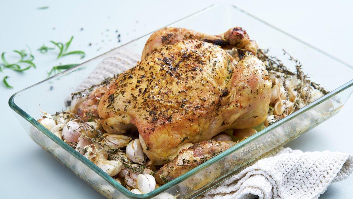 Helstekt kylling med 40 hvitløk
