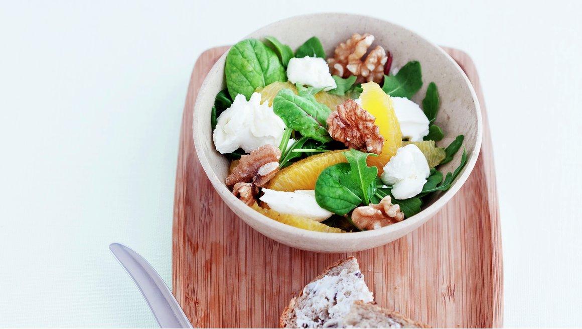 Salat med appelsin og chévre