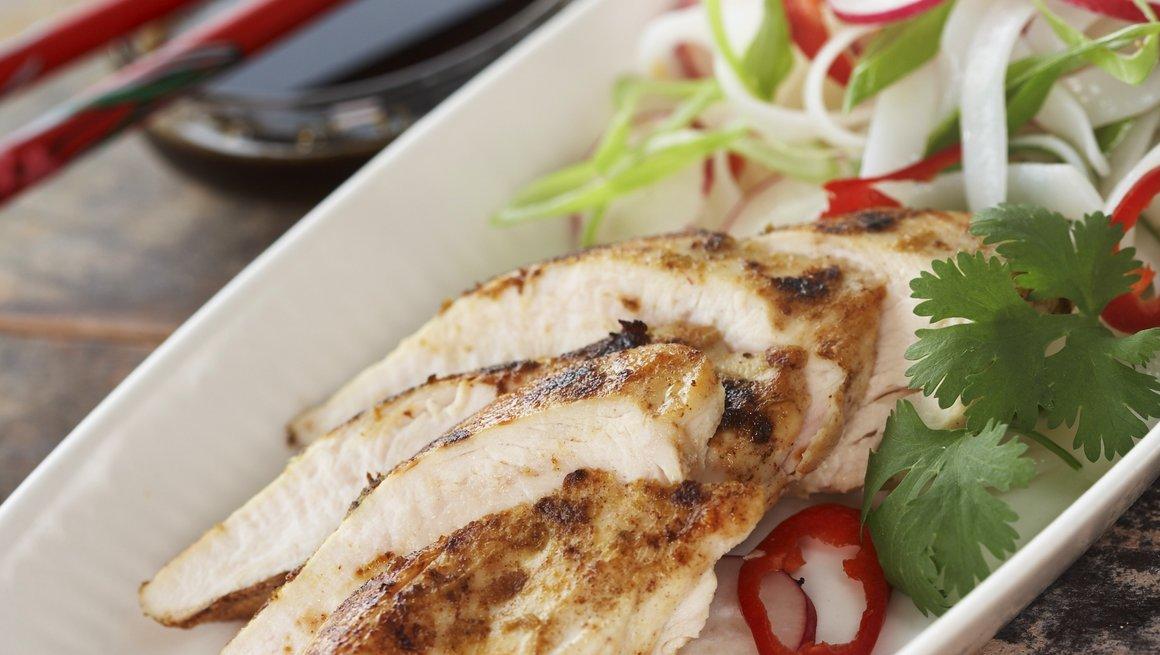 Thaistekt kylling med nudelsalat