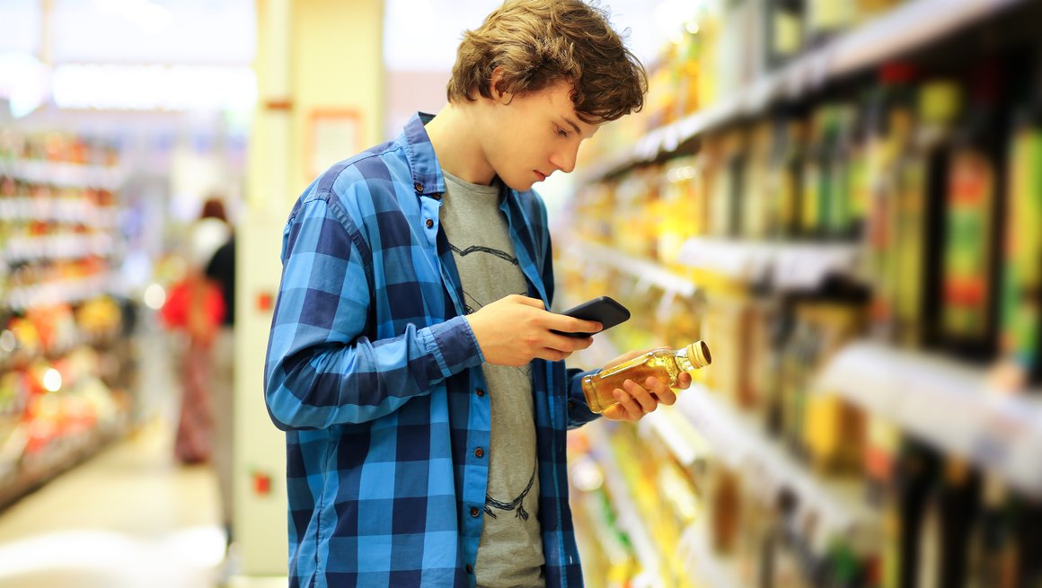 Shutterstock ungdom i butikk