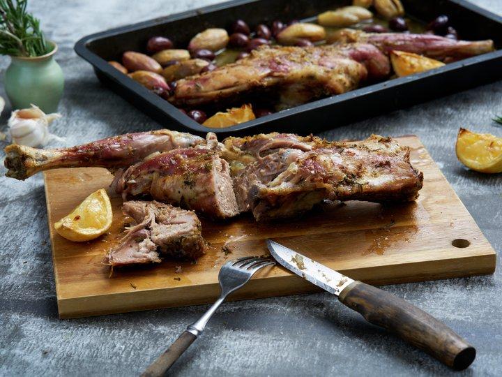 Kjelår med rosmarin, hvitløk og sitron