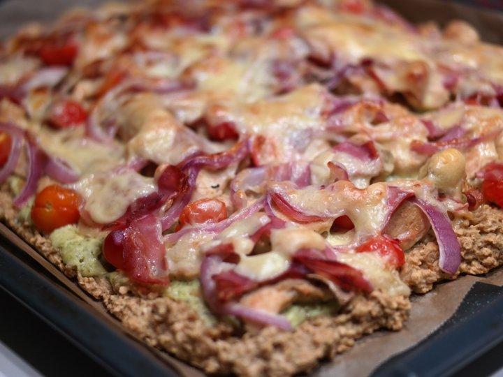 Pizza med havregrynbunn