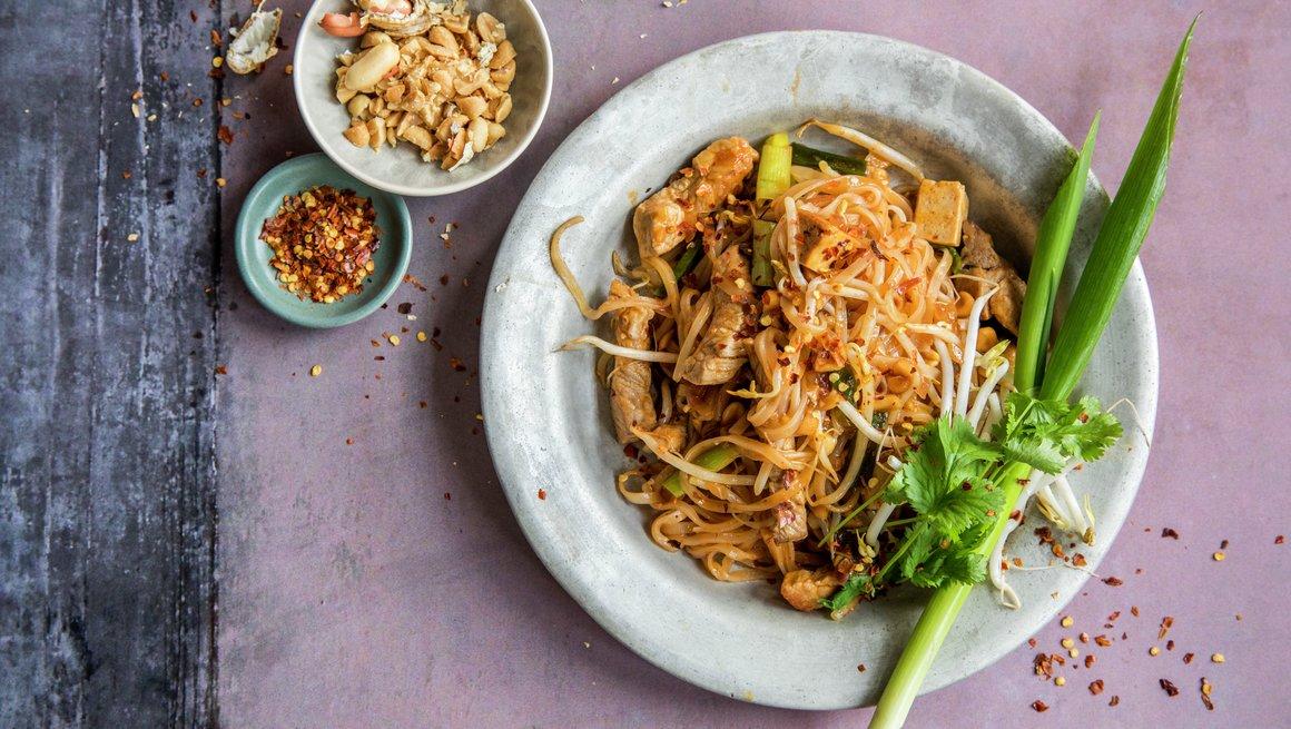 Pad Thai - stekte nudler med svinekjøtt